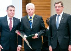 """UAB """"Etna"""" pelnė Lietuvos prekybos, pramonės ir amatų rūmų asociacijos apdovanojimą"""